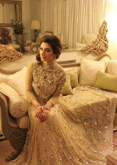 Ivory cocktail Gown with mirror embellishments #subtle #stunner #indianwedding #bridalFashion #cocktailGown | Curated by Witty Vows - The ultimate Guide for The Indian Bride | www.wittyvows.com