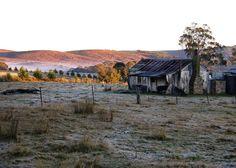 Old Australian Farmhouse. Looks like a frosty morning.