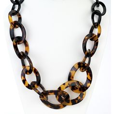 Graduated tortoise link long necklace ($57) ❤ liked on Polyvore featuring jewelry, necklaces, resin jewelry, long jewelry, long tortoise shell necklace, graduation jewelry and graduation gifts jewelry