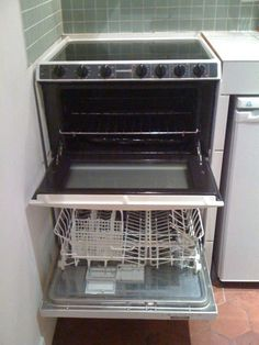 Love The Idea Of The Small Dishwasher Under The Stove... Space Saver