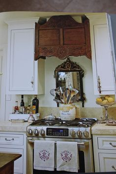 This is not very practical... but I can't help pinning it!  ~ Charles Faudree kitchen via http://kimberlyhites.blogspot.com