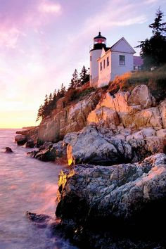 Visit Bass Harbor Head Lighthouse while on a day trip to Southwest Harbor, Maine. For more ideas on what to do, check out this post. Southwest Harbor Maine, Bar Harbor Maine, Dream Vacations, Vacation Spots, Greece Vacation, Maine Lighthouses, Visit Maine, New England Travel, Day Trip