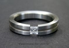 Unique ENGAGEMENT RING with Tension set, conflict-free diamond by TresorsDuJour on Etsy #UniqueEngagementRing #TensionRing