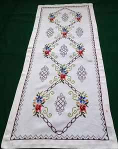 vintage cotton ecru embroidered table runner Floral Cross