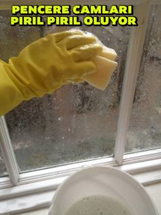 22 Home Hacks Thatll Make Renters Say Why Didnt I Know About This Sooner? 2019 The post 22 Home Hacks Thatll Make Renters Say Why Didnt I Know About This Sooner? 2019 appeared first on Lace Diy. Window Screens, Window Coverings, Diy Lace Privacy Window, Diy Lace Window Covering, Kitchen Window Treatments, Bathroom Windows, Rental Decorating, Tips & Tricks, Corn Starch