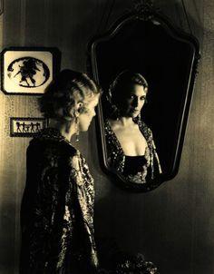 О́льга Влади́мировна Бакла́нова (1893–1974) немого кино - и театральная актриса. Olga Vladimirovna Baklanova (1893–1974) Russian silent film and theatre actress. 奥尔加 Vladimirovna Baclanova (1893-1974)