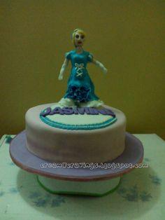 creamy cravings: Cinderella Cake