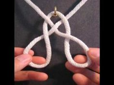 very clear tutorial for a basket weave knot for more see www.fusionknots.com a really great site!