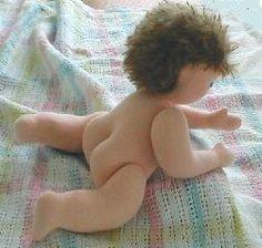 Widok z dołu lalki