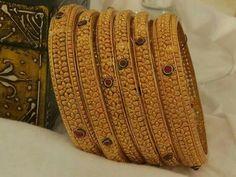 Gold Bangles Design, Gold Jewellery Design, Gold Jewelry, Ethnic Jewelry, Indian Jewelry, Gold Pendant, Pendant Jewelry, Fashion Jewelry, Women's Fashion