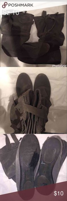 White mountain grey slouchy slouch boots 10 Selling for a friend who is trying to raise money to go on a mission trip, I offer a 20 percent discount when you bundle 2 or more items. White Mountain Shoes Winter & Rain Boots