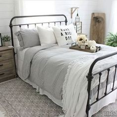Home Decor Industrial guest bedroom - bed color? black and pair with light linens Bedroom Black, Bedroom Sets, Home, Home Bedroom, Guest Bedroom Bedding, Black Iron Beds, Modern Farmhouse Style Bedroom, Remodel Bedroom, Bedroom