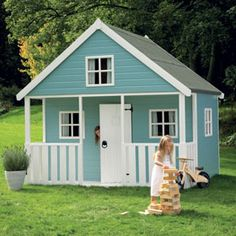 Apple Tree play house/Adorable Memories of the one Richard made for Shannon. Girls Playhouse, Playhouse Plans, Toddler Playhouse, Cubby Houses, Play Houses, Small Houses, Kids Shed, Teepee Play Tent, Backyard Creations