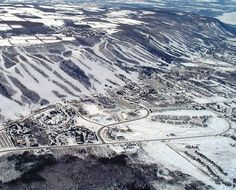 Great aerial shot of Blue Mountain, Collingwood, Ontario Great Places, Places Ive Been, Beautiful Places, Canada Country, Wasaga Beach, Travel Memories, Blue Mountain, East Coast, Skiing