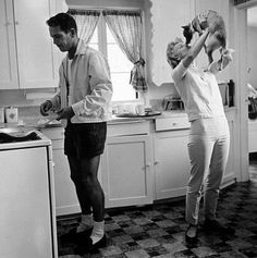 Paul Newman and Joanne Woodward at home in Beverly Hills, CA, 1958.