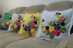 40 Crochet Cushion Pattern Ideas: Today we have planned to chalk out some crochet cushion ideas for your indoor and outdoor Crochet - Your ultimate source for knitting and crocheting inspirations, collection of crochet patterns, croche Crochet Cushion Pattern, Crochet Cushion Cover, Crochet Cushions, Crochet Pillow, Crochet Patterns, Crochet Tools, Crochet Projects, Crochet Home, Irish Crochet