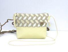 Umhängetaschen - Kleine Umhängetasche mit Leder - ein Designerstück von Irene-Kater bei DaWanda