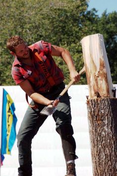 I'll take one of these please. BUILD ME A HOUSE SEXY LUMBERJACK