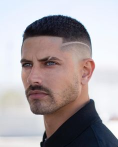 mens hairstyles and products Temp Fade Haircut, Short Fade Haircut, Beard Haircut, Easy Mens Hairstyles, Boy Hairstyles, Haircuts For Men, Gents Hair Style, Shaved Hair Designs, Hair Tattoos