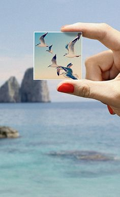 These cute magnets can be made with photos from your Instagram, camera-roll or desktop. A nice idea to stick your memories around//