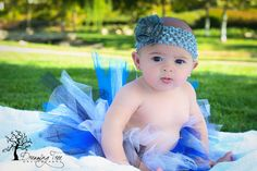 Baby photo idea. 3 month old in tutu. - Dreaming Tree Photography