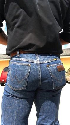 Send me your pics in Wrangler Wrangler Jeans, Cowboys Men, Real Cowboys, Men In Tight Pants, Hot Country Boys, Trendy Mens Fashion, Cowboy Outfits, Cowboy Up, Sexy Men