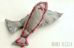 Felt fish to learn to sew - mama recicla Felt Fish, Games Today, Best Fishing, Learn To Sew, New Toys, Pizza, Learning, Tutorials, Ideas