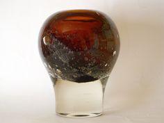 Staggering Useful Ideas: Vases Vintage Green vases diy ikea hacks.What To Do With Glass Vases. Tall Vase Decor, Vases Decor, Vase Arrangements, Vase Centerpieces, Red Vases, White Vases, Vase With Lights, Vase Design, Vase Crafts