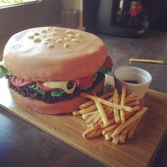 Hamburger cake with potatoes Hamburger Cake, Potatoes, Cakes, Ethnic Recipes, Food, Burger Cake, Cake Makers, Potato, Kuchen
