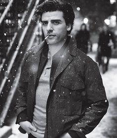 Oscar Isaac is fine as hell *starry eyes*