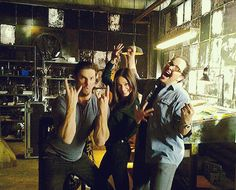 Jay Ryan, Kristin Kreuk, & Austin Basis - On Set Film Su, Kristen Kreuk, Vincent And Catherine, Tv Show Couples, Beauty And The Best, Jay Ryan, Show Beauty, Cw Series, Movie Memes