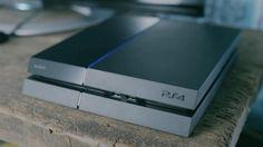 Bart Smit belt en mailt eerste PS4 kopers