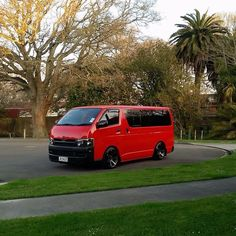 14 Seater Hiace for rent, 15 seater bus rental in Dubai, Hiace for rent Toyota Van, Luxury Bus, Toyota Hiace, Cool Vans, Utility Trailer, Mini Trucks, Busse, Japanese Cars, Campervan