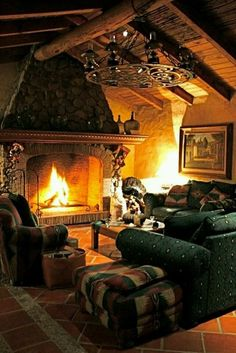 38 rustic country cabins with a stone fireplace for a romantic short break . - 38 rustic country cabins with a stone fireplace for a romantic getaway - Winter Cabin, Cozy Cabin, Cozy House, Winter Night, Cozy Winter, So Cozy, Winter Holidays, Autumn Cosy, Cozy Den