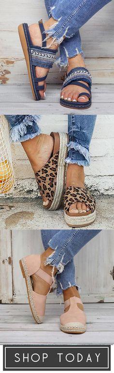 Comfy & Cute Shoes For You - Jullymart - Diy-Damenschuhe Denim Fashion, Fashion Shoes, Fashion Outfits, Womens Fashion, Cute Shoes, Me Too Shoes, Flip Flop Shoes, Ballerinas, Summer Shoes