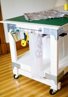 sewing cutting table diy Craft Room Organization in 2019 diy craft cutting table - Diy Craft Table Sewing Room Design, Sewing Room Storage, My Sewing Room, Sewing Studio, Sewing Diy, Fabric Storage, Closet Storage, Ikea Sewing Rooms, Sewing Closet