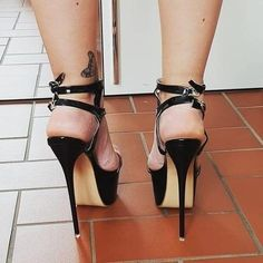 Summer Stiletto Sandals are here. Sexy Legs And Heels, Hot High Heels, Platform High Heels, High Heels Stilettos, Talons Sexy, Walking In High Heels, Stripper Heels, Pantyhose Heels, Beautiful High Heels
