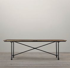 I want this table in a 10' version. I love me some long tables. But for my apartment the 6' version with some salvaged chairs will do nicely. A matching set of course ;)