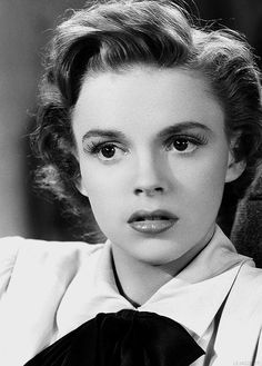 Judy Garland in For Me And My Gal, 1942.                                                                                                                                                     More