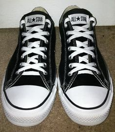 Black Converse All-Stars with white trim and white Over Under Lacing (from Yusuf Q) Lace Converse Shoes, How To Lace Converse, Black Converse, Tie Shoes, Boys Shoes, Shoes Sandals, Diy Lace Shoes, Ways To Lace Shoes, Shoelace Patterns