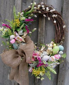 Easter wreath - wish there was a tutorial, but I can probably figure this out on my own.