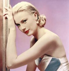 10 Famous Style Habits Which Made Grace Kelly an Eternal Fashion Icon