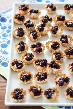 Mini Blueberry Cheesecakes made with Phyllo Cups #mini #blueberry #cheesecake #phyllo #dessert #bitesized #recipe Phyllo Recipes, Puff Pastry Recipes, Baking Recipes, Quick Recipes, Beef Recipes, Cheesecake Bites, Cheesecake Recipes, Dessert Recipes, Deserts