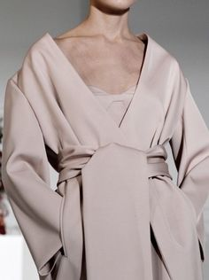 Jil Sander Fall 2012 Ready-to-Wear Fashion Show Details Jil Sander, Fashion Week, High Fashion, Fashion Show, Womens Fashion, Milan Fashion, Fashion Rings, Style Fashion, Moda Kimono