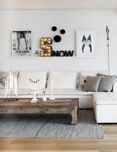 sophisticated white casual sectional with a rustic and graphic details...@blogandthecity