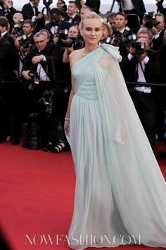 Diane Kruger is effortlessly radiant in  pastel mint green Giambattista Valli Haute Couture gown #Cannes2012