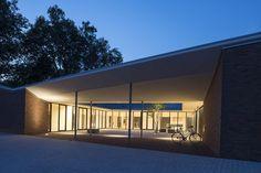 Gallery of Community Centre Altenessen / Heinrich Böll Architekt - 6