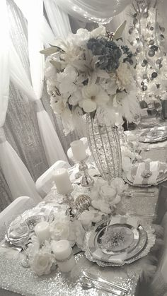"""Diamant du Parris Inc. """"Memorable Events fit for Royalty"""" Christmas Table Settings, Christmas Tablescapes, Wedding Table Settings, Christmas Decorations, Holiday Decor, Dream House Interior, Interior Design Living Room, Diy Wedding Decorations, Table Decorations"""