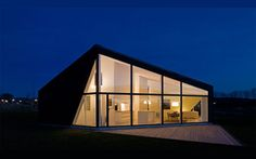 Ready-Made Residences: 14 Ultra Cool Prefab Homes Cheap Prefab Homes, Affordable Prefab Homes, Prefab Modular Homes, Prefabricated Houses, Eco Homes, Architecture Design, Scandinavian Architecture, Scandinavian Interior, Interior And Exterior Angles