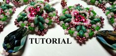 Free beaded bead tutorial. Not in English but very detailed and should be easy enough to follow.